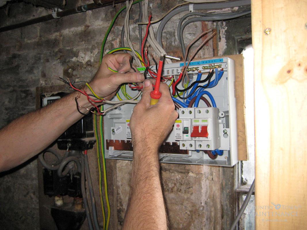 Развести электричество по дому своими руками